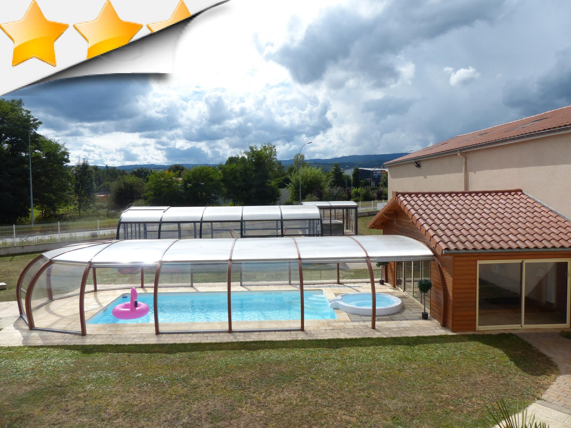 piscine d 39 occasion promotion par lpc. Black Bedroom Furniture Sets. Home Design Ideas