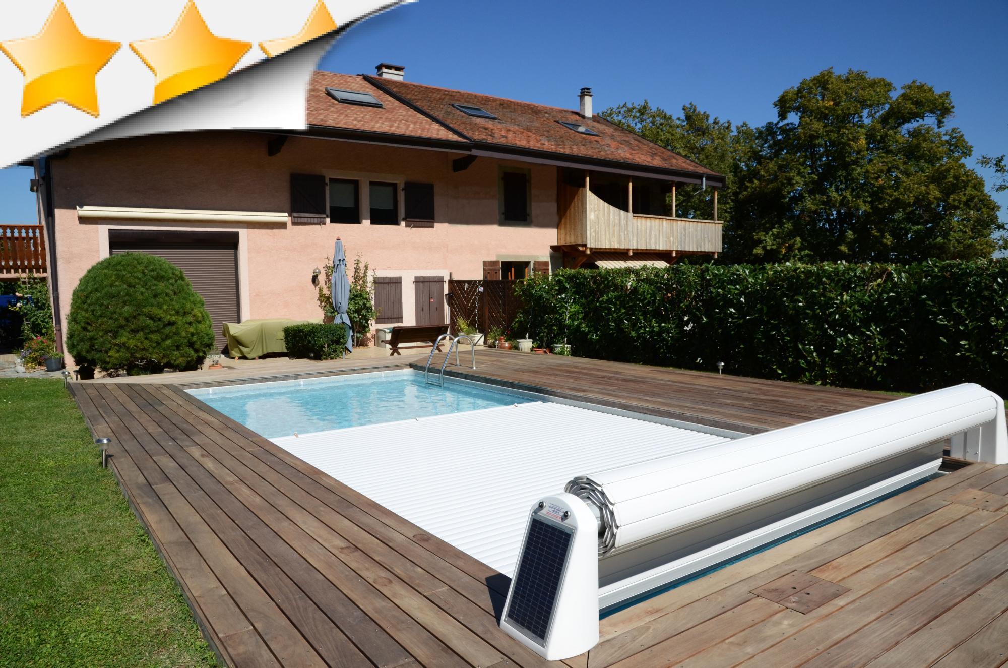 Vente volet de piscine par lpc for Piscine coque loire 42