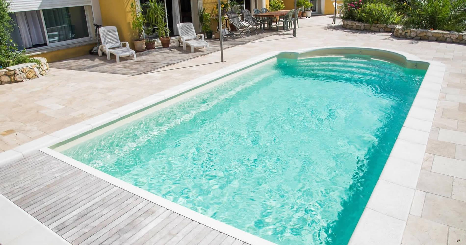 Vente de piscine et spa montbrison en loire 42 loire for Vente de piscine